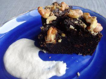 Caramel Fig Cake Cashew cream (1) 750x.jpg